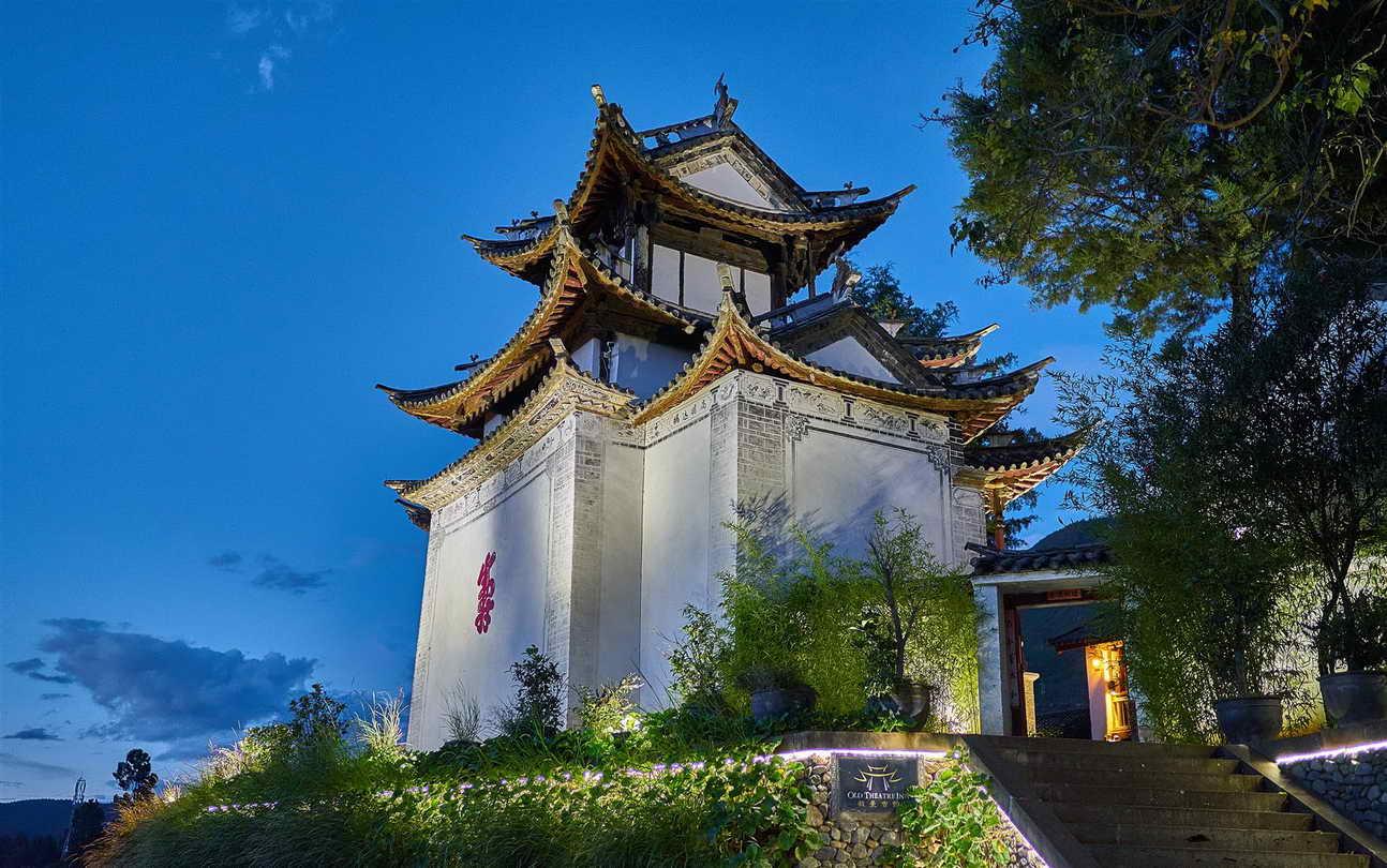 shaxi-old-theatre-inn-dali-yunnan-china